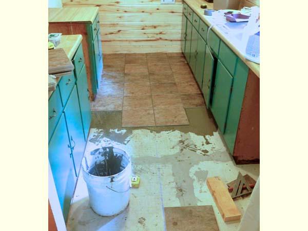 Tiling Rio kitchen, 2013